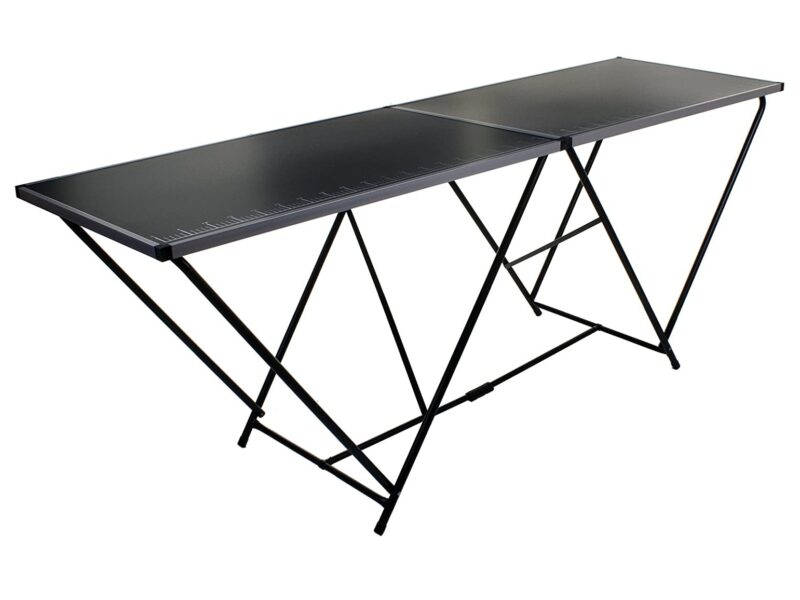 Heavy-duty pasting table