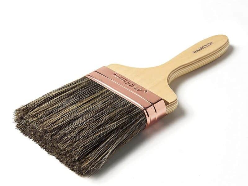 Flat wall brush