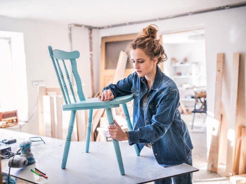 Preparing a chair for painting